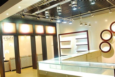 ladari a led per casa illuminazione negozi roma ispirazione per la casa