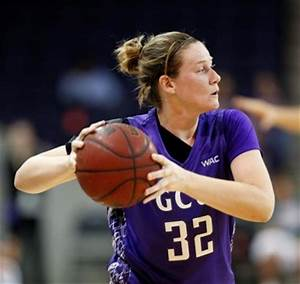 Former two-sport rival leads women's hoops to fast ...