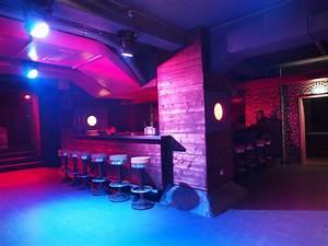 Bar Mit Tanzfläche Berlin : club an der stralauer allee mieten friedrichshain ~ Markanthonyermac.com Haus und Dekorationen