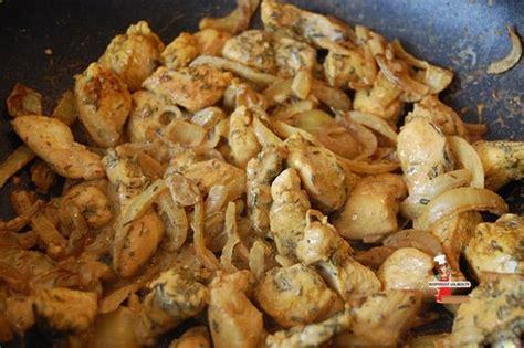 cuisine wok poulet wok de poulet au curry et au thym lolibox recettes de