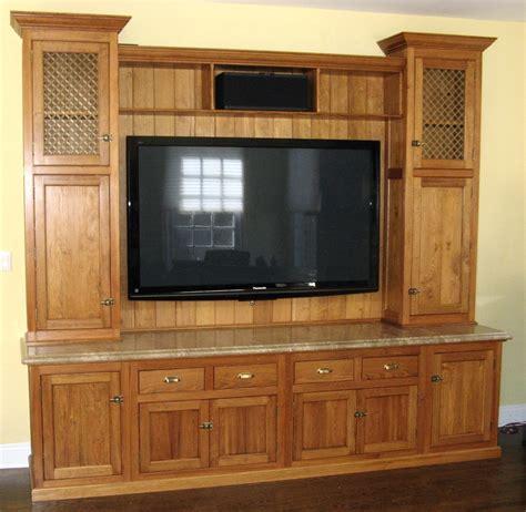 vintage entertainment center reclaimed pine entertainment center finewoodworking 3193