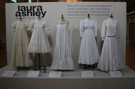 vintage wedding dress advantage in vintage