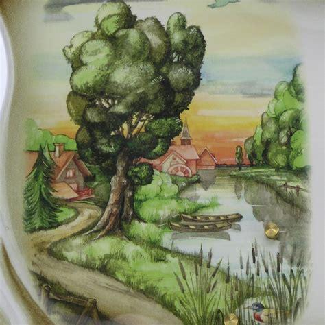 plaque funeraire en ceramique de couleur beige avec decor