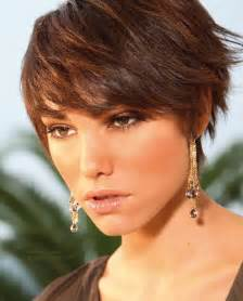 Hairstyle Short Layered Hair with Bangs
