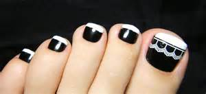 Stylish black and white nail art designs for toe nails