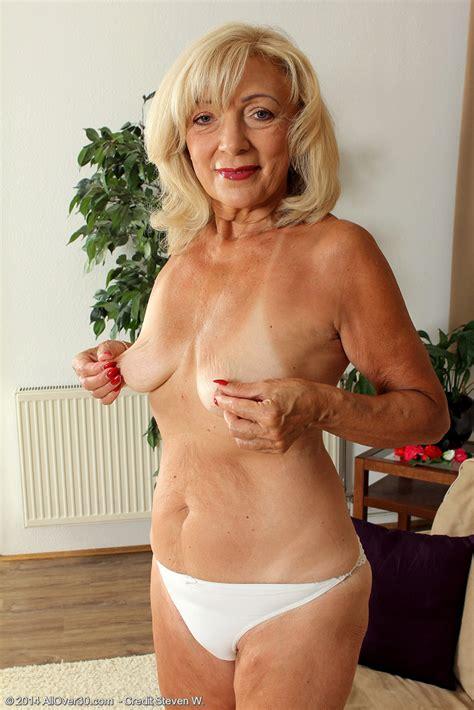 Mature Blondie Kamilla Caress Her Nippies / Moms Archive