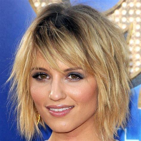 coupe de cheveux femme court degrade avec frange