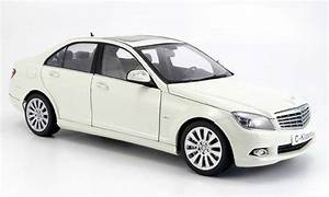 Mercedes Classe C Blanche : mercedes classe c miniature berline w 204 elegance blanche autoart 1 18 voiture ~ Maxctalentgroup.com Avis de Voitures