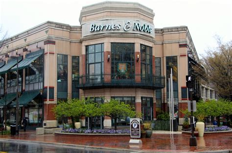 Barnes And Noble In Bethesda Maryland Is Closing
