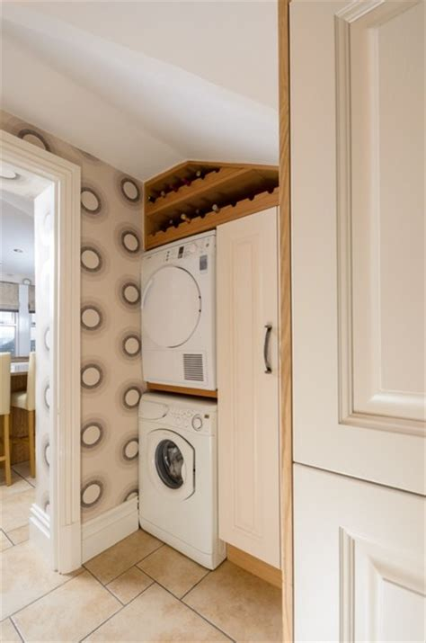 Milligan and Jessop Bespoke Oak and Cream   Traditional   Utility Room   manchester UK   by