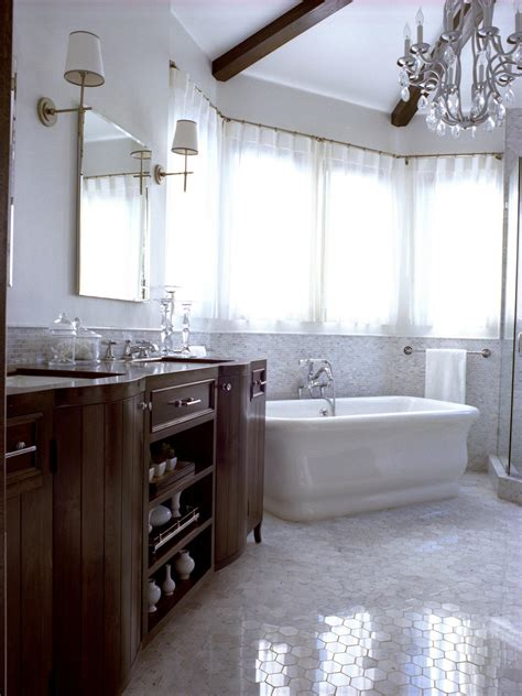 Chandeliers For Bathroom by 20 Luxurious Bathrooms With Chandelier Lighting