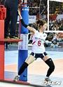挑逗男裁判征服男队员!韩排球美女赛场热舞_网易体育
