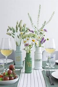 Deko Für Vasen : sch ne deko idee f r den sommertisch upcycling vasen aus gl sern ~ Orissabook.com Haus und Dekorationen