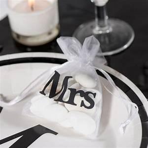 Gastgeschenke Hochzeit Diy : gastgeschenke hochzeit 5x organzabeutel mr mrs hochzeit gastgeschenke diy gastgeschenke ~ Frokenaadalensverden.com Haus und Dekorationen