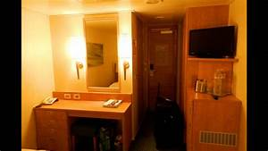Carnival Breeze Room  8325