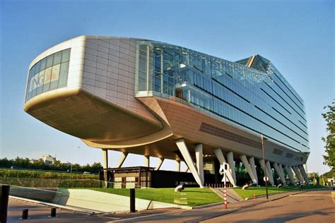 building design and construction 10 unique and creative office building designs