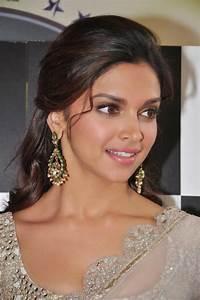 Deepika Padukone Hot White Transparent Saree Navel Show Movie Gallery One