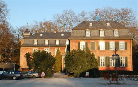 Fileschloss Gymnich Eingangjpg  Wikimedia Commons