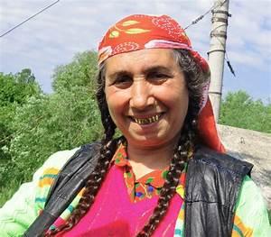 Modern-day Gypsies in California : videos