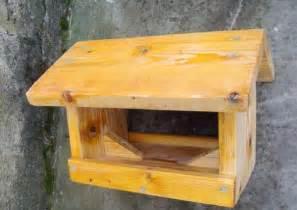 plan maison oiseaux en bois