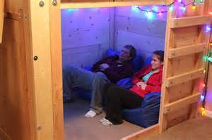 Inexpensive Loft Bed Plans by Micro Movie Room Setup In A Bed Fort