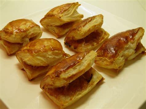 dessert traditionnel de noel dessert rissoles ou quot r 233 zules quot en patois savoyard dessert traditionnel de no 235 l terre et mar