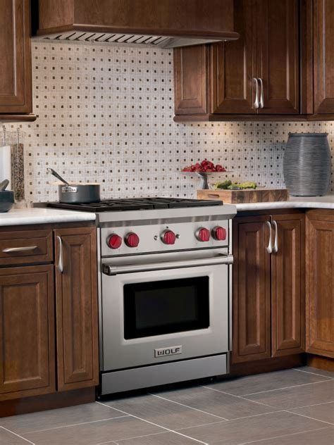 Wolf GR304 30 Inch Pro Style Gas Range with 4 Dual Stacked