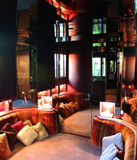 Hugh Hefner sells Playboy Mansion to billionaire neighbour ...