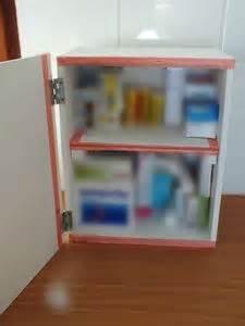 diy deco recup faire une armoire  pharmacie avec une