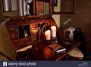 Schreibtisch Position Im Raum : secretary stockfotos secretary bilder alamy ~ Bigdaddyawards.com Haus und Dekorationen