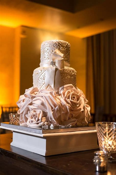 cm contemporary master cake designers wedding cake san juan pr weddingwire