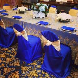 royal blue and gold wedding decorations beautiful royal blue and gold table linen at the 2013 bridal show plan weddings special