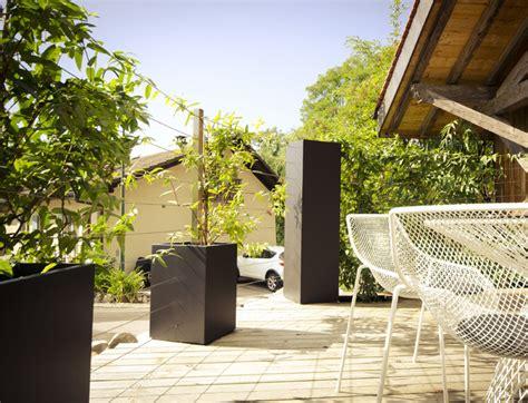 bacs et treillages pour plantes grimpantes classique chic terrasse en bois et balcon other