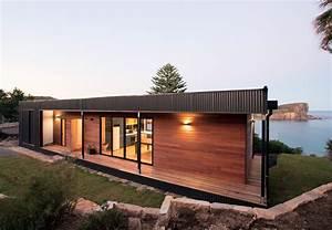 Modern beachside prefab home in Australia by Archiblox ...