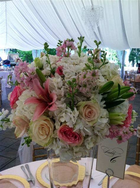 25 Best Wedding Flowers Lilies Images On Pinterest
