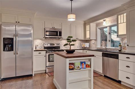 kitchen floors and cabinets efficient kitchen design traditional shaker cabinets 4868