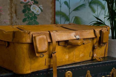 cuisine style brocante valise vintage cuir ées 30 1940 ancienne