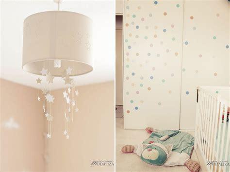 chambre fille etoile une chambre de bébé thème aviation étoiles et nuages