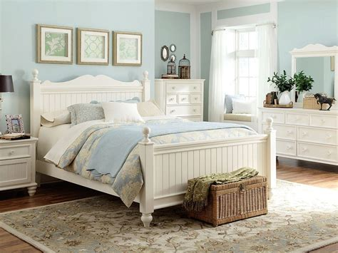 cottage bedroom idea furniture beach house pinterest white cottage cottage style bedrooms