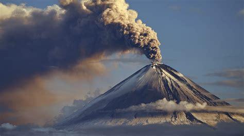 top ten volcanoes    erupt  prepper dome