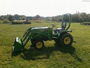 1986 John Deere 855 Tractors - Compact  1-40hp