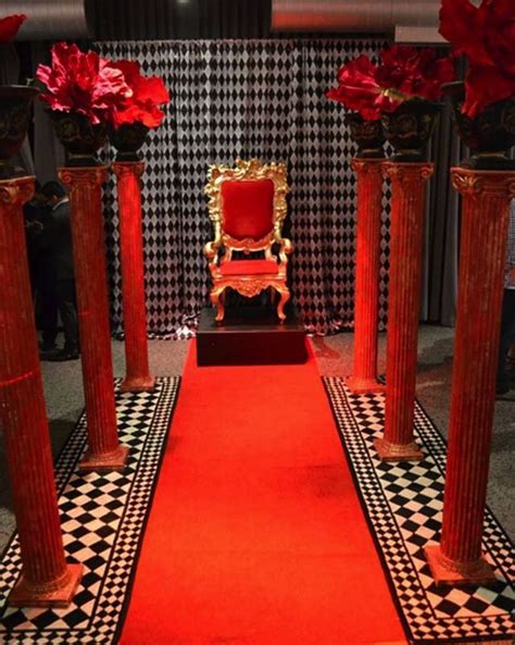 queen  hearts throne wonderland party decorations