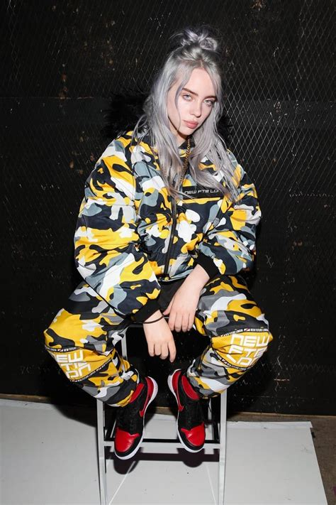 Billie Eilish Opened Up About Why She Wears Baggy Clothes ...