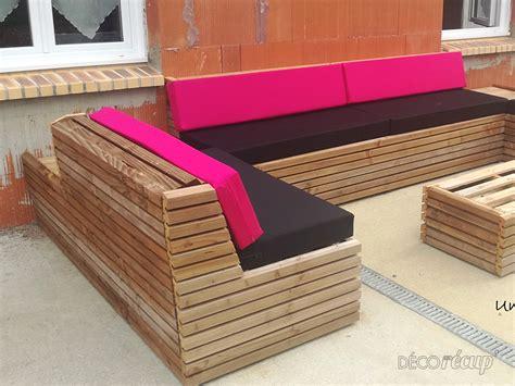 canap fait avec des palettes faire un canape avec des palettes maison design bahbe com