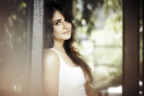 Parul Yadav Beautiful Hd Wallpaper