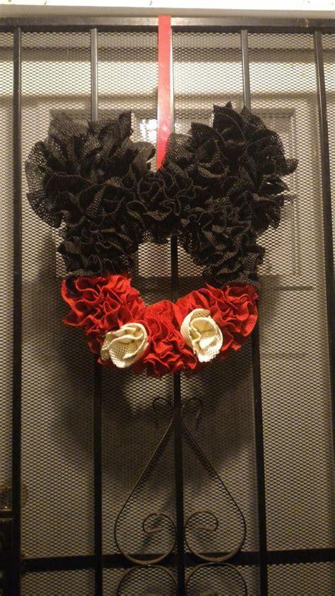 Shelf Liner Wreath