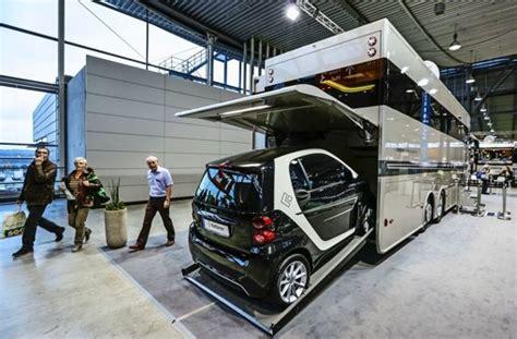Auto Garage Stuttgart by Urlaubsmesse Cmt In Stuttgart Wohnmobil Oder Caravan