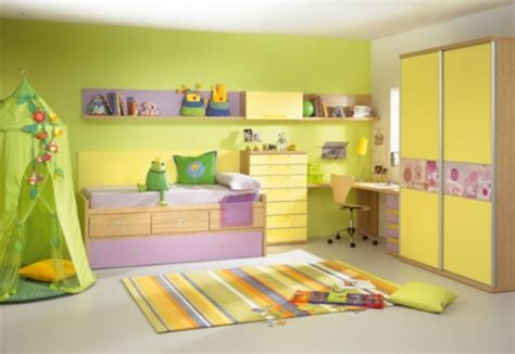 Decoracion Dormitorios Infantiles En Amarillo, Violeta Y