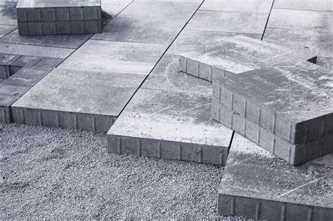 terrassenplatten auf erde verlegen terrassenplatten verlegen beton splitt erde m 246 rtel anleitung