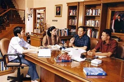 Keluarga Rapat Meeting President